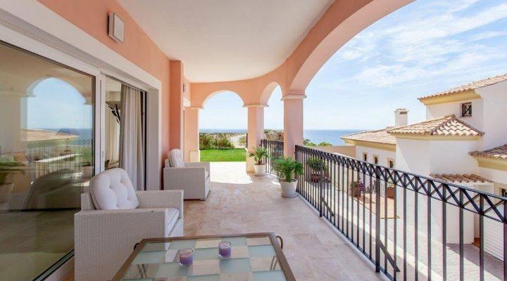 Luxus-Apartment mit Meerblick