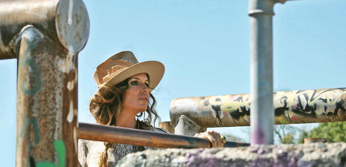 Alicia Bleye – Einzigartige Hüte